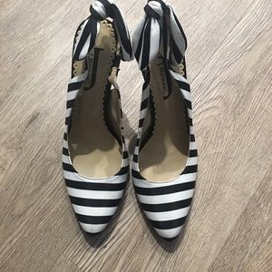 Black and white heel size 7